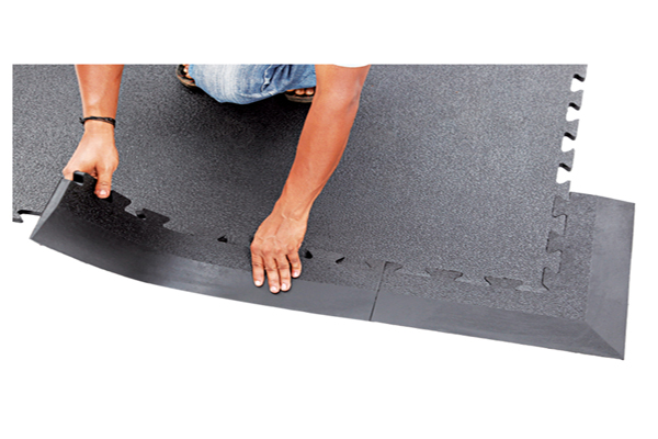 INTERLOCK STABLE MAT RAMP EDGES